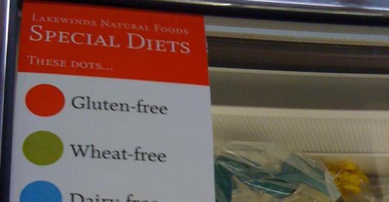 Retailer store tour of Lakewinds Natural Foods