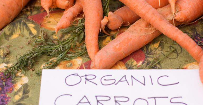organic carrots with sign