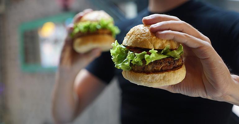 man-eating-hamburger.jpg