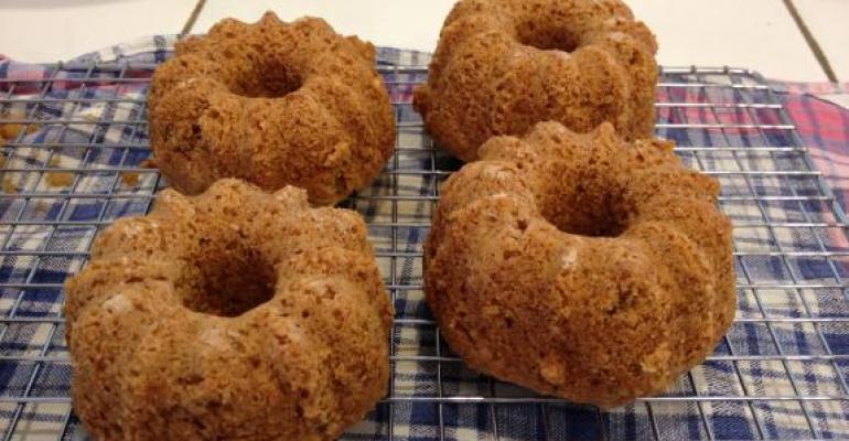 New favorite vegan dessert: Mini Hazelnut Cakes