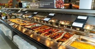 Food Marketing Institute report finds grocers can attract more customers to foodservice